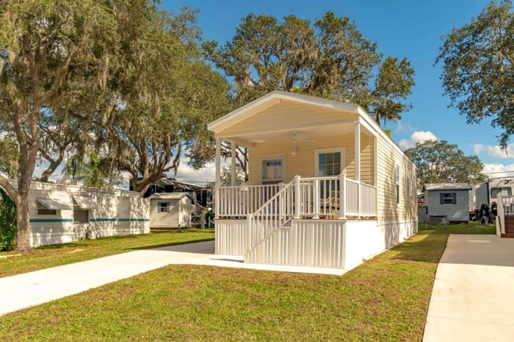 exterior of ADA compliant park model at Kissimmee South RV Resort in Davenport