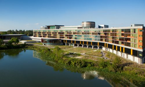 Exterior image of lakeside Lodge at Streamsong Resort in Central Florida