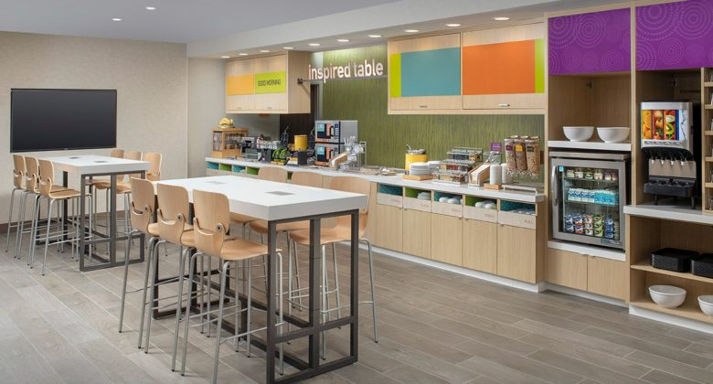 Home2 Suites By Hilton Lakeland Breakfast Area