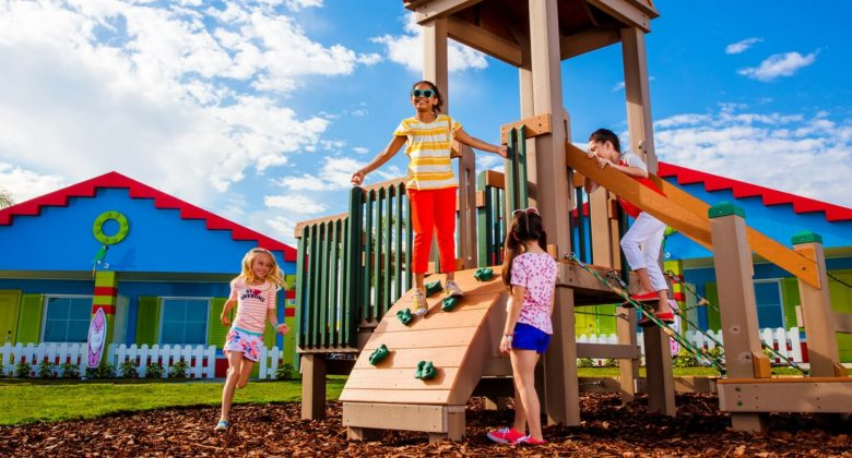 kids playing in Cove Play Areas at LEGOLAND Florida Beach Retreat