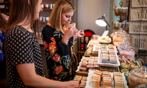 2 females shopping for soap at Rafa Natural in Lakeland, FL