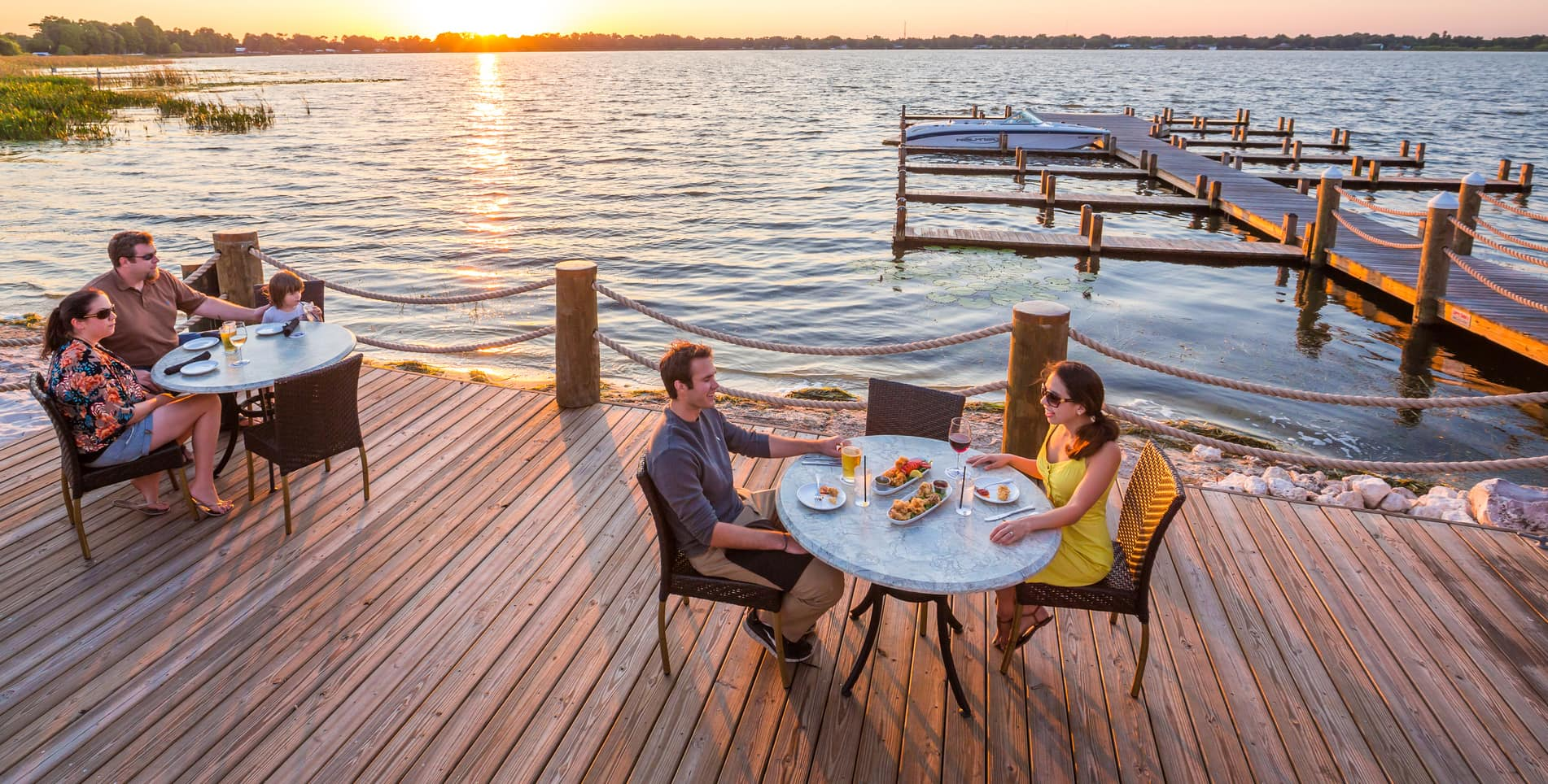 Outdoor dining at Harborside restaurant