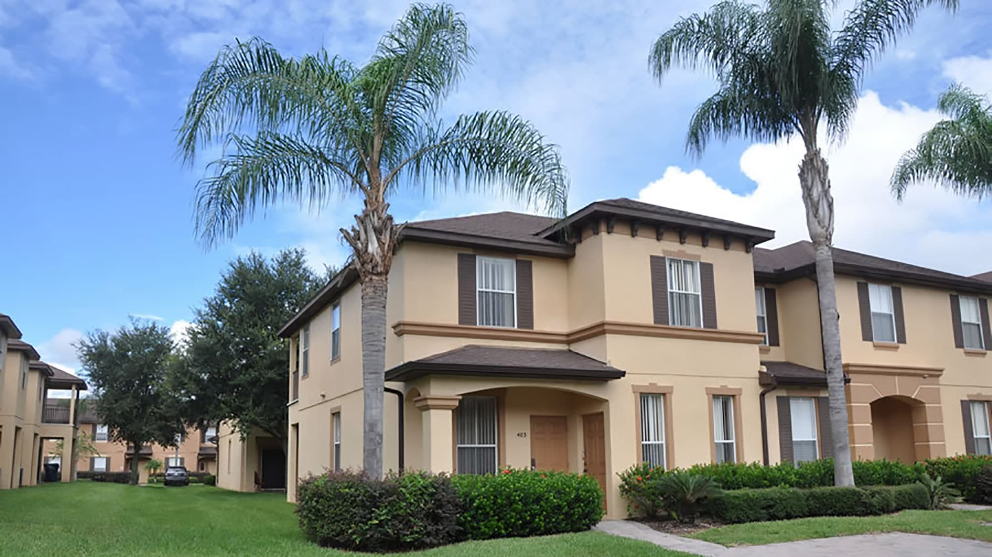 exterior of townhome at Regal Palms in Davenport, available for rent through SunKiss Villas